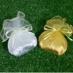 กระเป๋าใส่สตางค์สีเงินหรือสีทอง แพ็คถุงผ้า เลือกสีถุงผ้าได้ พร้อมป้ายชื่อ