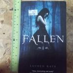 FALLEN (By Lauren Kate)