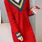 เสื้อกันหนาวไหมพรม พร้อมส่ง สีแดง คอเสื้อวี สลับสีเก๋ แขนยาว ถักลายลูกโซ่ด้านหน้า น่ารักๆ ใส่กันหนาวได้ค่ะ