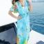 maxi dress ชุดเดรสยาว พร้อมส่ง สีฟ้า คอวีลึก ลายดอกไม้สีสัน สม๊อคช่วงเอว สวยมากๆค่ะ ใส่สบาย thumbnail 5