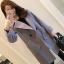 เสื้อโค้ทแฟชั่น Overcoat พร้อมส่ง สีเทา ตัวยาว คอปก สุดเท่ห์ Overcoat แนวดาราซีรี่เกาหลีใส่กันเลยนะคะ กระดุมหน้าเก๋ คัตติ้งสวย เนื้อผ้าดีมากค่ะ คุ้มค่าเกินราคาแน่นอนค่ะ ดูไฮโซ ใส่ไปต่างประเทศได้ สบายเลยค่ะ มีกระเป๋าสองข้าง มีซับใน งานเหมือนเป๊ะ thumbnail 7