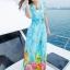 maxi dress ชุดเดรสยาว พร้อมส่ง สีฟ้า คอวีลึก ลายดอกไม้สีสัน สม๊อคช่วงเอว สวยมากๆค่ะ ใส่สบาย thumbnail 3