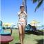 SM-V1-425 ชุดว่ายน้ำ เสื้อแขนสั้น+กางเกงบิกินี่ ลายขนนกสวย สีสันสดใส thumbnail 14