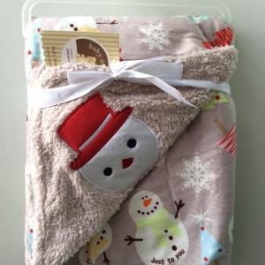 BK049••ผ้าห่มเด็ก•• / ตุ๊กตาหิมะ-เทา (ลายปัก)
