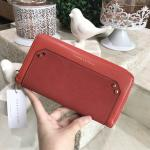 CHARLES & KEITH Flannel Detail Long Wallet สีแดง
