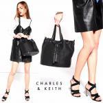 CHARLES & KEITH TASSEL DRAWSTRING BAG สีดำ