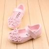 รองเท้าคัทชูเด็กเล็ก สีชมพูอ่อนประดับพุ่มดอกไม้น่ารัก (เท้ายาว 11.5-13.5 ซม.)