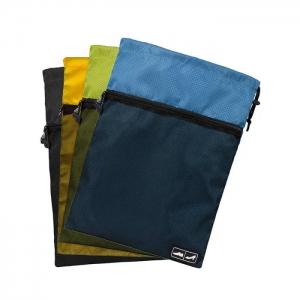 กระเป๋าหูรูดใส่รองเท้าคุณภาพสูง เชือกรูดล็อคได้ ด้านหน้ามีช่องซิปตาข่ายใส่ของเพิ่ม ทน คุ้มค่า มี 4 สี ให้เลือก