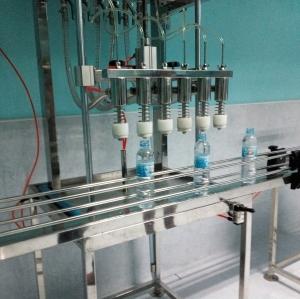 เครื่องบรรจุขวดน้ำดื่ม 6 หัวบรรจุ (กึ่งอัตโนมัติ )