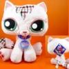 แมว Lovely cat ขนาด 9 นิ้ว (Hasbro)