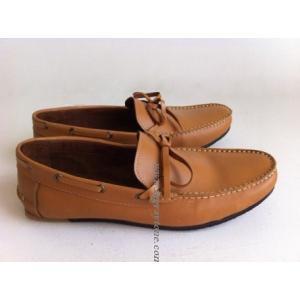 รองเท้าหุ้มส้นพิเศษ ทรงเรือ หนังกลับเหลือง หนังด้านสีน้ำตาล ดำ เบจ size No.39-45