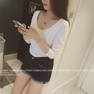 เสื้อแฟชั่นเกาหลี แขนยาว คอกลม เนื้อผ้า cotton ทรงเข้ารูป สีขาว สุภาพ