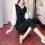เสื้อผ้าแฟชั่นเกาหลีพร้อมส่ง - ชุดเซ็ตได้ 2 ชิ้น เสื้อคอวีแขนพอง+กางเกงสีดำ thumbnail 1