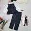 เสื้อผ้าแฟชั่นเกาหลีพร้อมส่ง - ชุดเซ็ตได้ 2 ชิ้น เสื้อคอวีแขนพอง+กางเกงสีดำ thumbnail 3